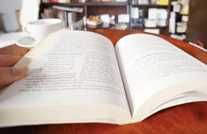 book-close-2