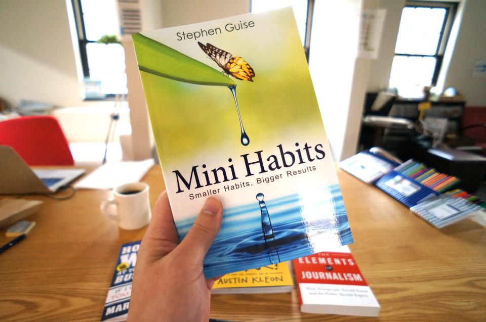 mini-habits-cover-hand
